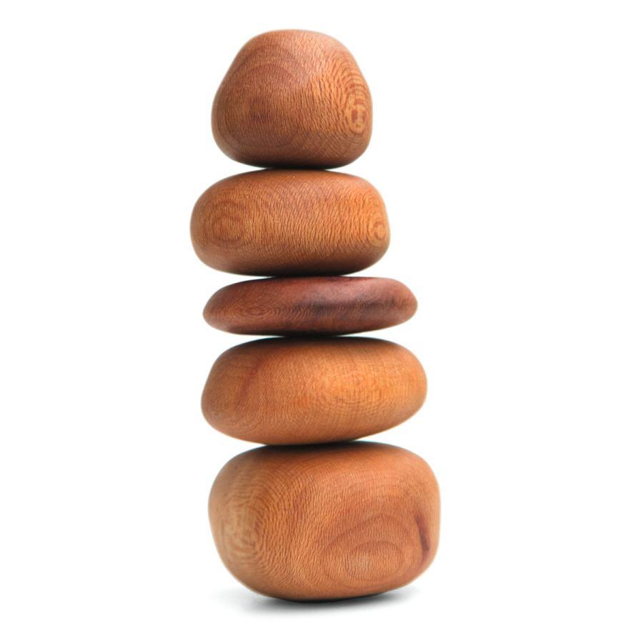 Meditative Balance-Steine aus Platanenholz