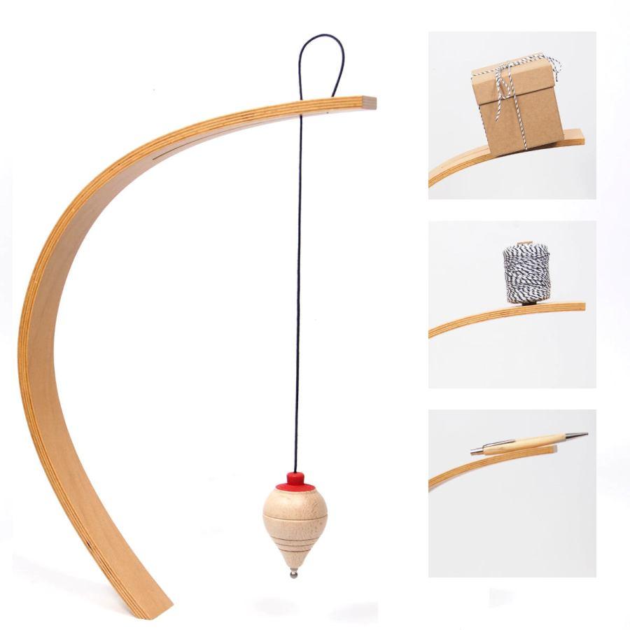 Dekorativer Balance-Ständer aus Holz inklusive Lotpendel