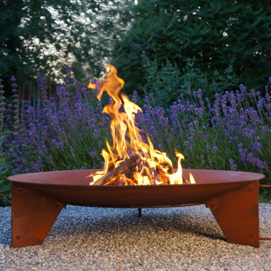 Schalenförmige Feuerstelle aus wetterfestem Stahl, mit Grill-Option