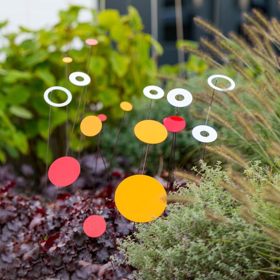 Bunte Deko-Blumen aus Edelstahl, 26 Stück im Set