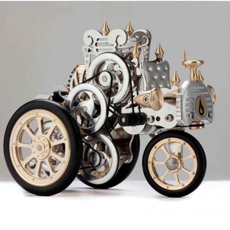 Von Carl Benz inspiriertes Modellauto AH1 mit echtem Stirling-Motor