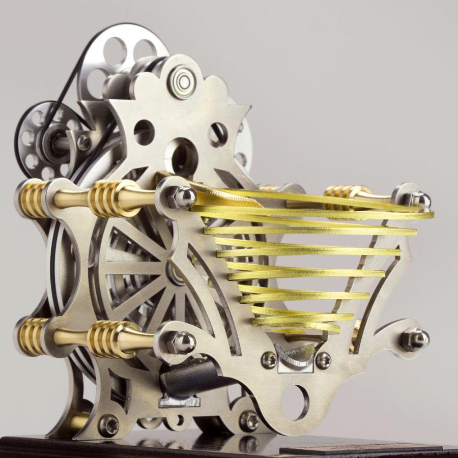 Kunstvolle Kugelbahn aus Messing und Stahl