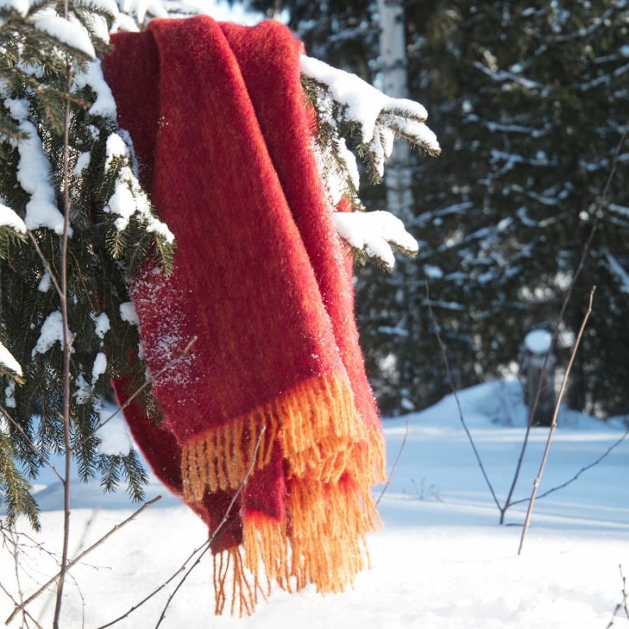 Finnish Woven Bicolor Blanket Bordeaux / Rust made of Mohair & Wool