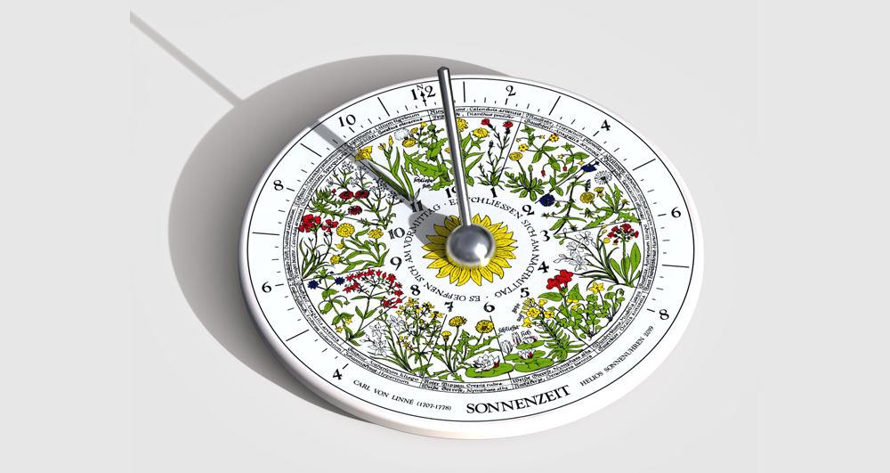 """Sonnenuhr """"Hora Floris"""" mit Blumenuhr aus Thüringer Porzellan"""