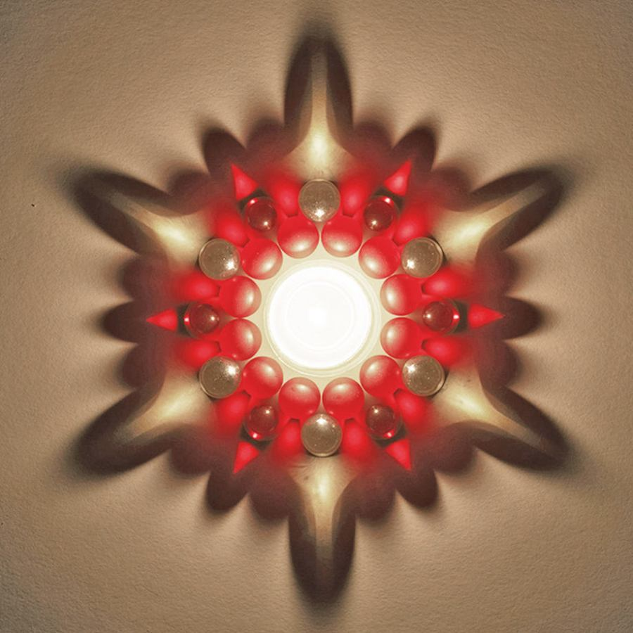 "Tealight Candler Holder ""Glass Bead Star"" with Beautiful Light Refraction – Red"
