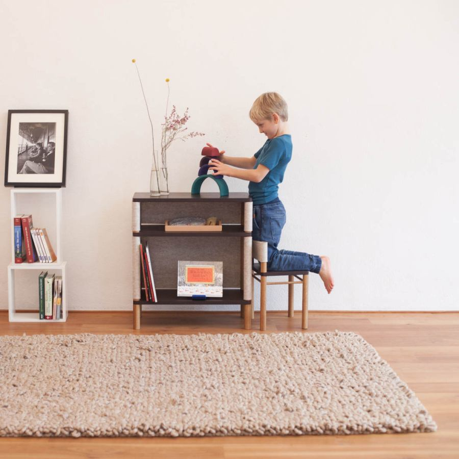 "Children's Shelf ""Victor/Théo"" made of Solid Oak and Wool Felt"