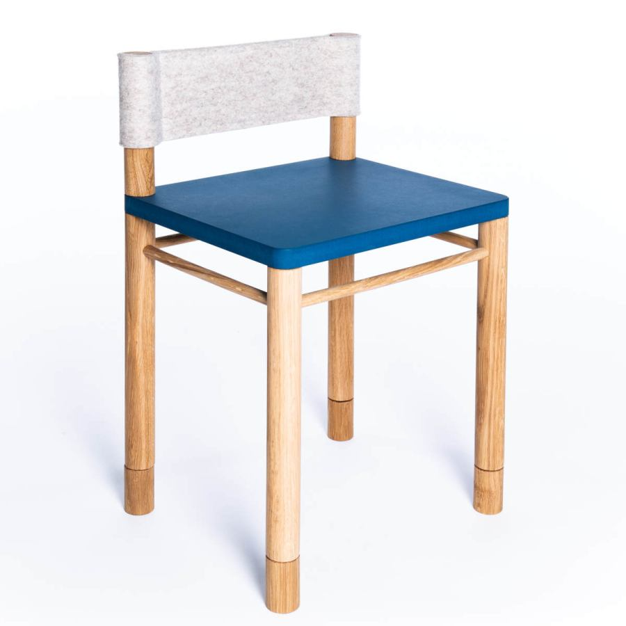 Blue version: Solid wood children's chair with wool felt backrest