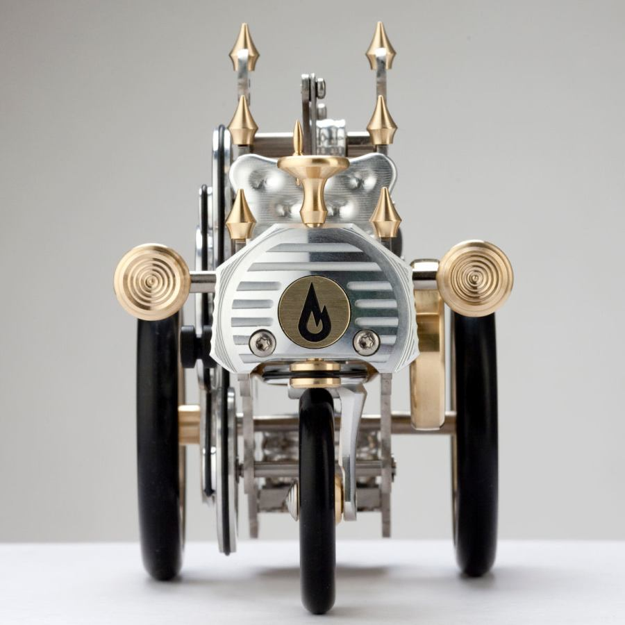 Carl Benz-inspired Model Car AH1 with Real Stirling Engine