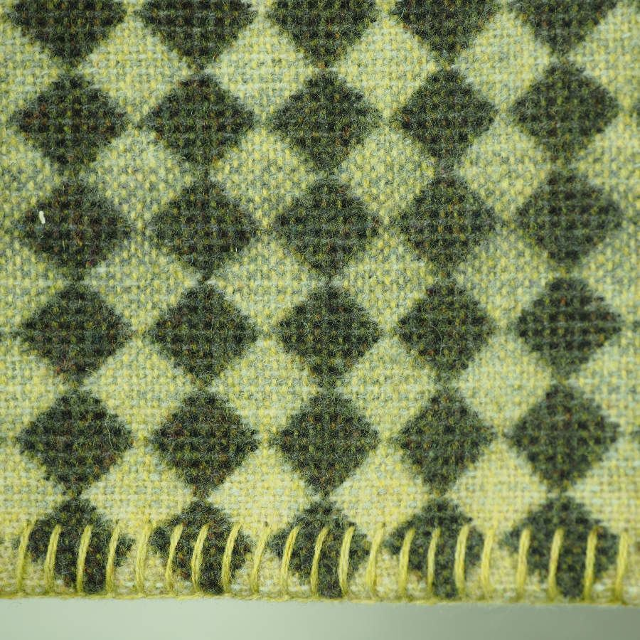 Green pattern: Chequer- throw woven of 100 % Merino lambswool | Kunstbaron