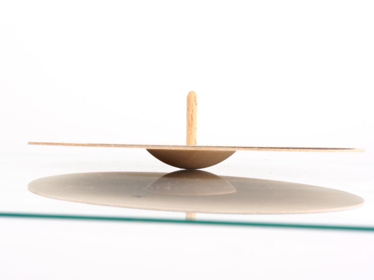 Spinning Top Ooval by Naef | Kunstbaron