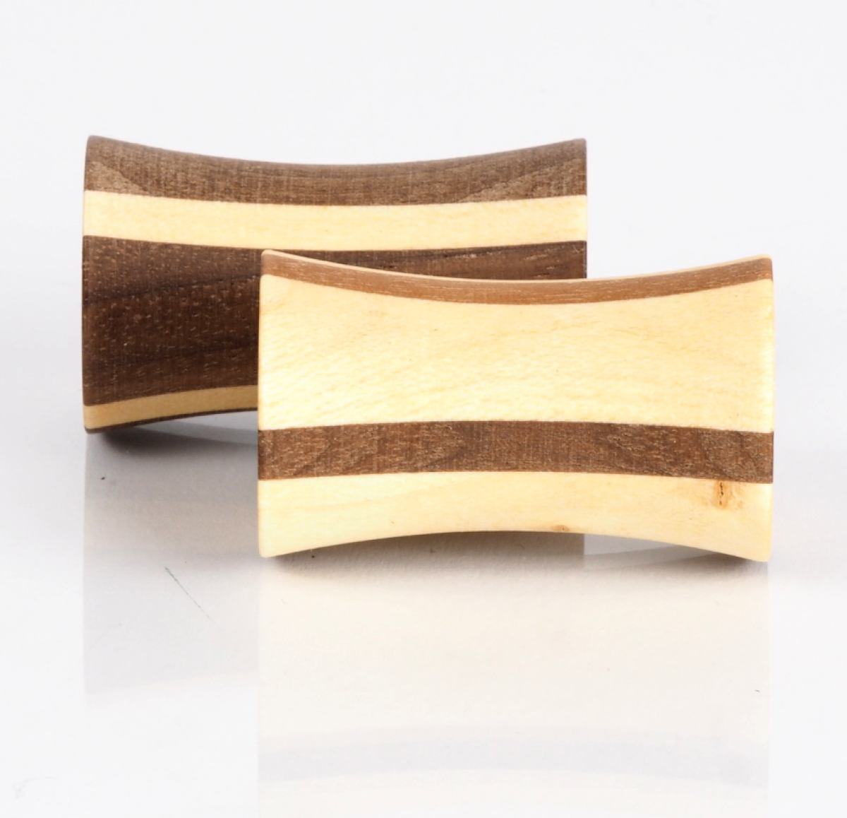 Spinning Flick-Top Tip made of maple and walnut by Naef | Kunstbaron