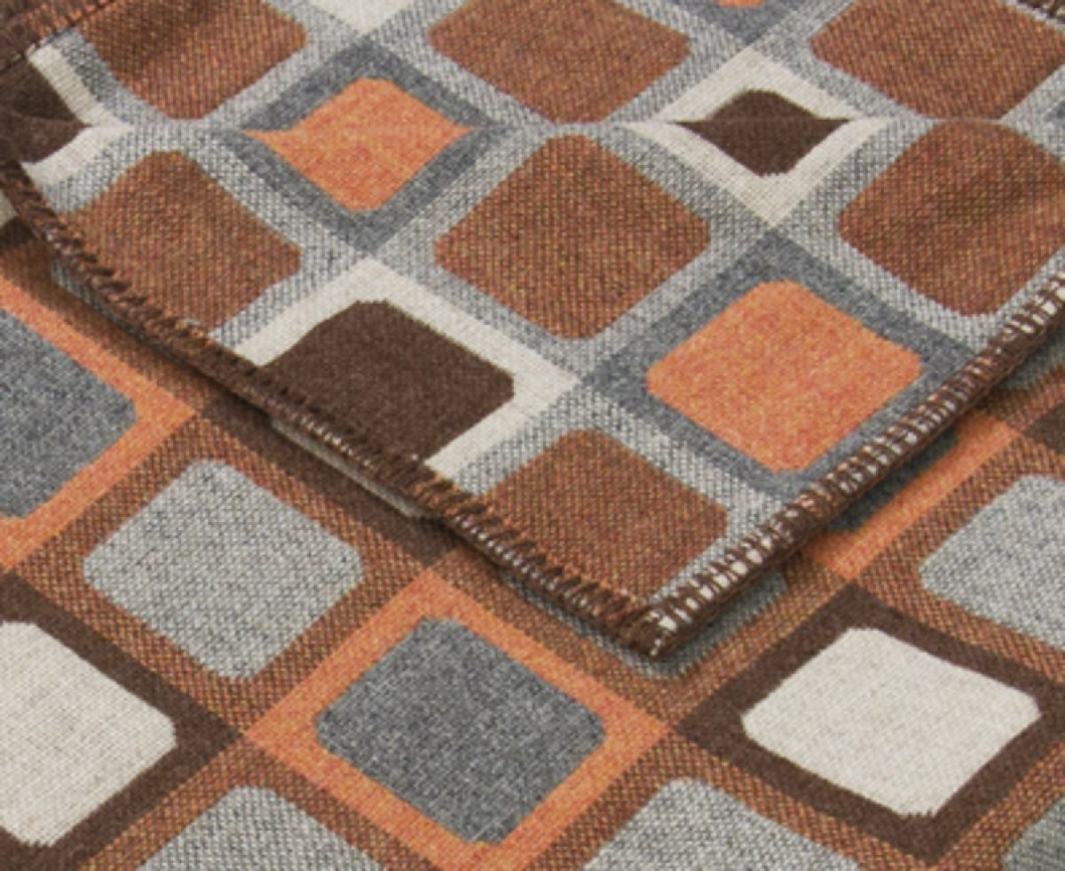 Brown pattern: Full Squircle throw woven of 100 % Merino lambswool | Kunstbaron