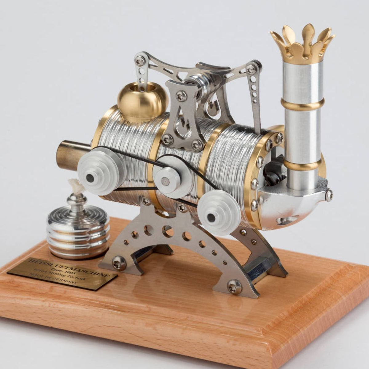Steampunk Design Power Plant with Real Stirling Engine | Kunstbaron